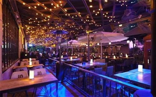 深圳最爆棚的酒吧靠什么吸引年轻顾客?