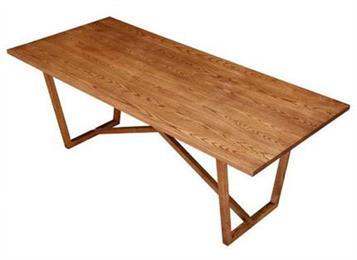 北欧现代全实木餐桌