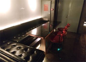 休闲酒吧沙发桌椅_酒吧