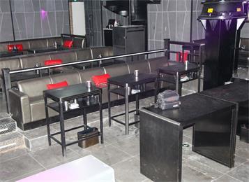 酒吧创意不锈钢桌子_酒吧沙发