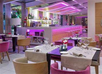 现代酒吧桌椅组合轻奢吧