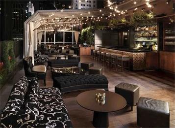 酒吧休闲桌椅温馨吧台吧