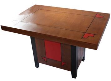 复古风格方形实木餐桌