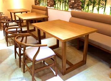 湘菜馆川菜餐厅田园乡村风格圆形实木餐桌