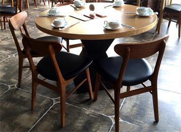 酒楼饭店湘菜川菜馆中餐厅包房圆形实木餐桌