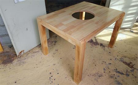 火锅桌椅定制为什么选火锅桌厂家?