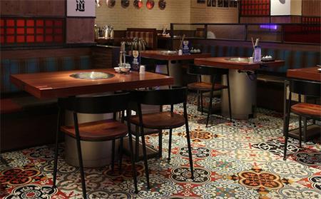 为什么新火锅店要先定火锅桌椅后装修?