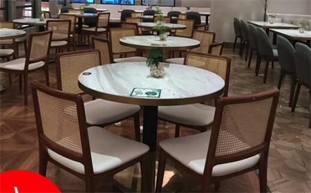 餐桌买什么样的好?如何挑选餐厅家具?
