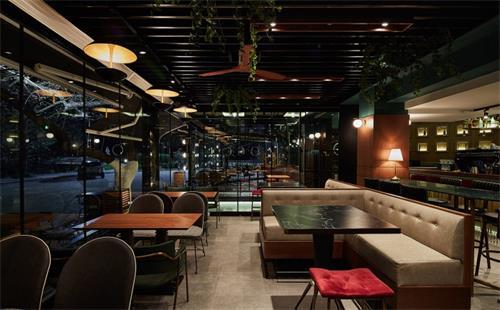 广州酒吧家具厂教你如何选取优质的高档酒吧餐厅家具