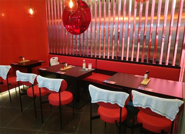 歌志轩名古屋拉面餐厅桌