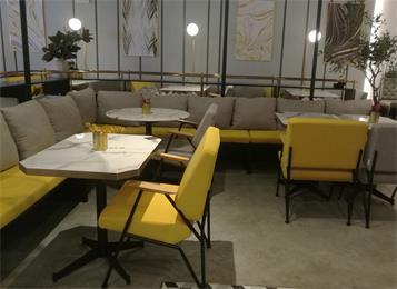 深圳莫里莫莉餐厅桌椅