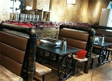 愿者上钩·纸上烤鱼餐厅桌