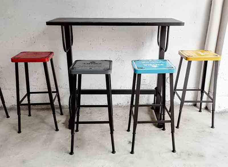 钱柜娱乐网站_美式铁艺loft桌  美式餐饮