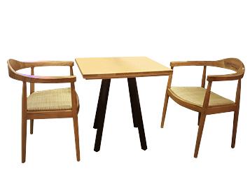 2018时尚创意实木主题餐厅餐桌
