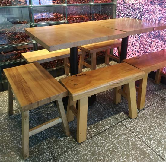 木屋烧烤餐厅实木桌椅