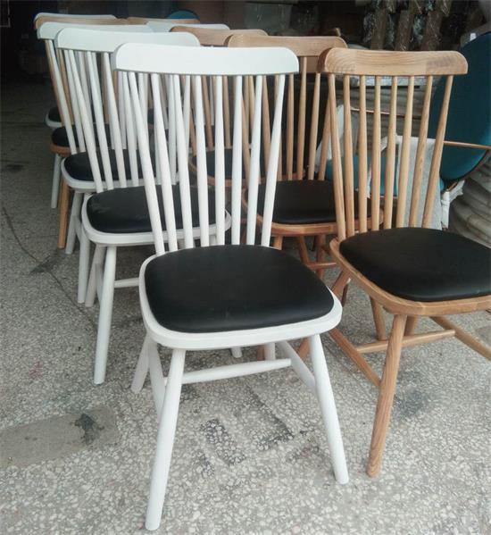 木屋烧烤餐厅椅子