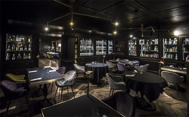 郑州酒吧桌椅家具批发注意什么,买贵的好还是便宜的好?