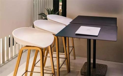 你购买的咖啡奶茶店桌子椅子_休闲饮品店桌椅环保吗?