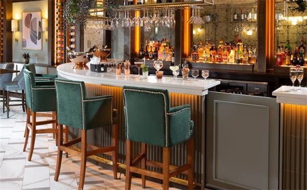 青岛酒吧桌椅定制中需要注意什么地方,才能花钱最少?
