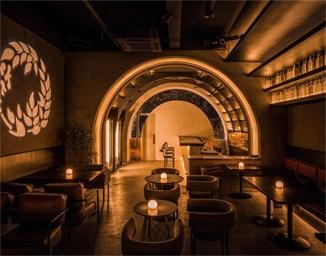 藤蔓酒吧空间设计